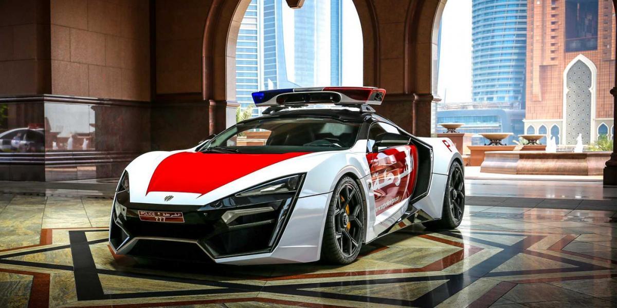 Полиция Дубая получила первый арабский суперкар / фото W Motors