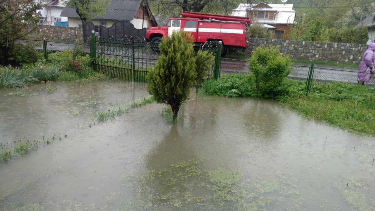 Дожди затопили Ивано-Франковщину / ГСЧС