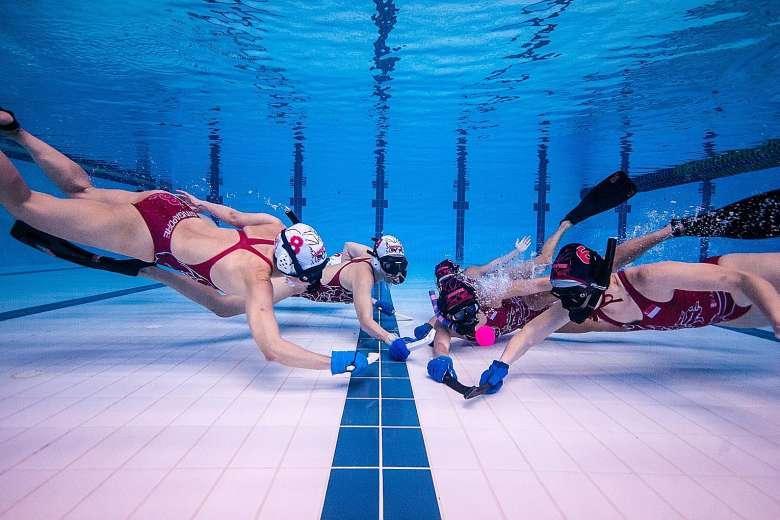 Соревнование по подводному хоккею / Фото sportalsub.net