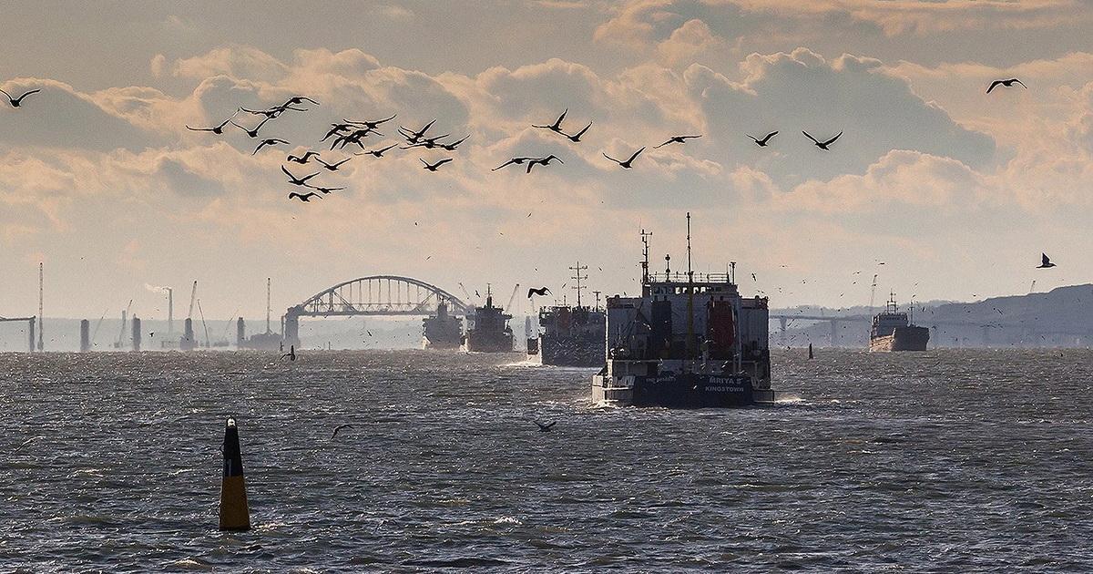 На выходе из Азовского моря наблюдается уменьшение продолжительности задержки судов / POLITEXPERT.NET