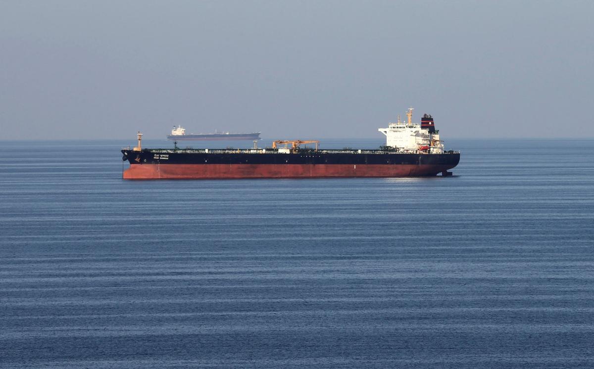 Капитан судна должен был доставить нефть в Италию / фотоREUTERS