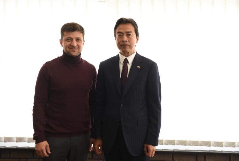Зеленский обсудил с послом КНР развитие сотрудничества между странами / фото twitter.com/ZelenskyyUa