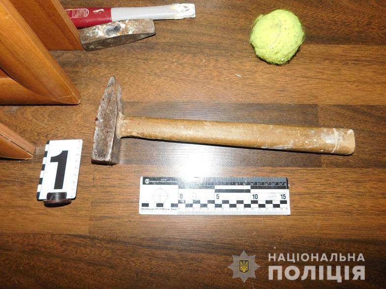 В Киеве мужчина избил своего гостя молотком из-за ревности / kyiv.npu.gov.ua