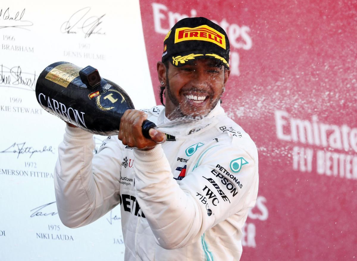 Льюис Хэмилтон - победитель Гран-при Испании / REUTERS