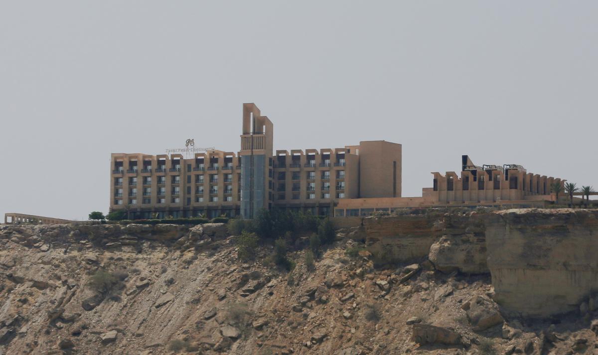 Отель Pearl Continental в пакистанском городе Гвадар / REUTERS