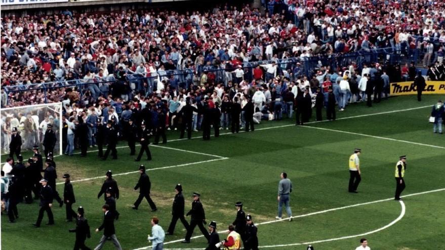"""В результаті трагедії на стадіоні """"Хіллсборо"""" 15 квітня 1989 року загинули 96 осіб / фото: dpa"""