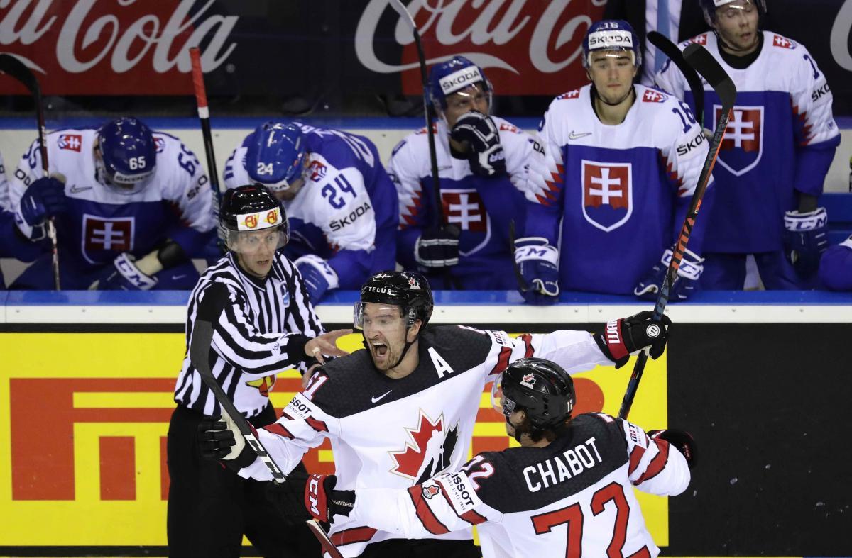 Збірна Канади на останній секунді обіграла Словаччину / REUTERS
