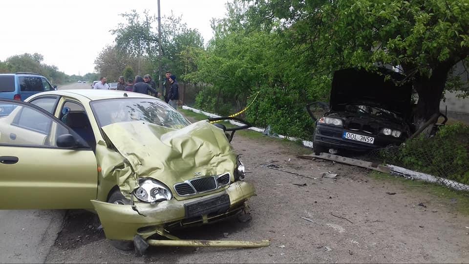 На Львовщине в результате столкновения двух легковушек пострадало пять человек / фото Varta 1
