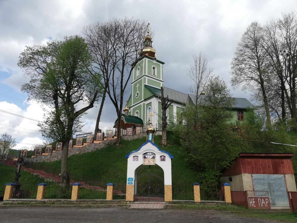 Церква в Воловці / Фото Марина Григоренко