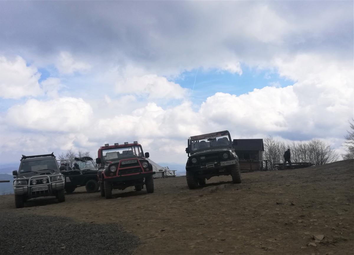 Туристам пропонують заїхати на вершину Гимби / Фото Марина Григоренко