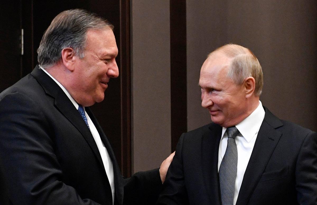 Майк Помпео и Владимир Путин \ REUTERS