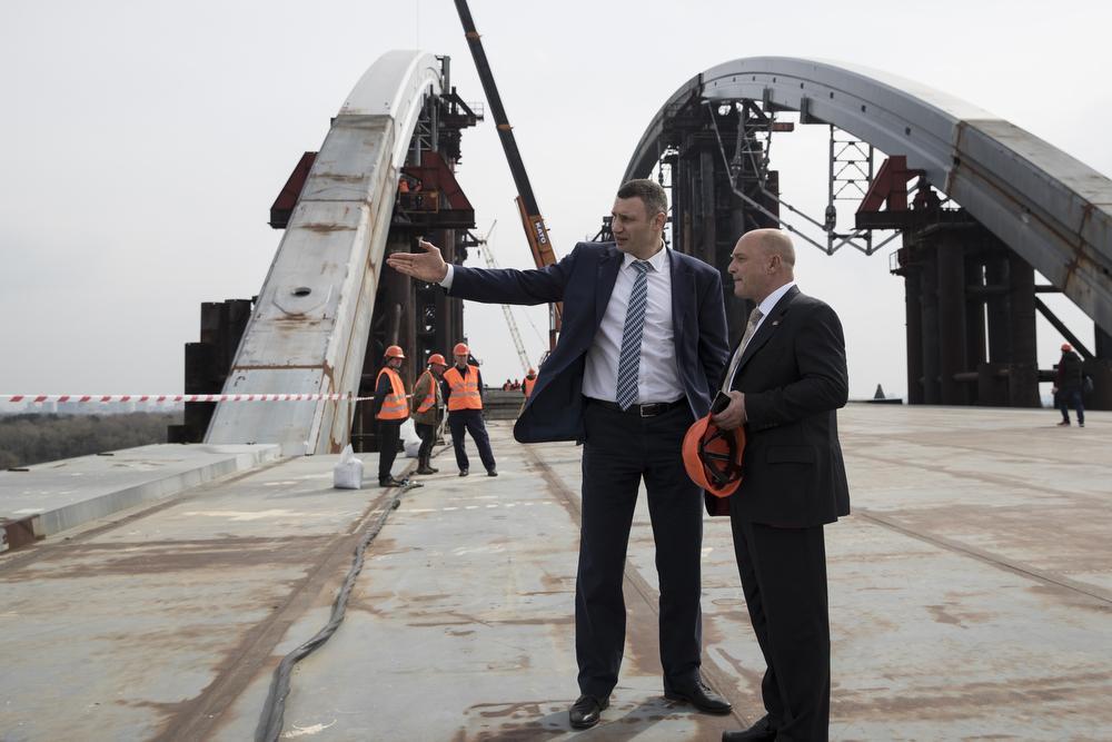 Кличко: До кінця наступного року ми відкриємо автосполучення через Подільсько-Воскресенський міст / kiev.klichko.org