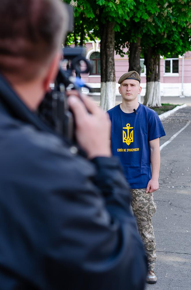 Василь Веселий ініціював флешмоб разом з кадетами ліцею Богуна на підтримку полонених військових моряків