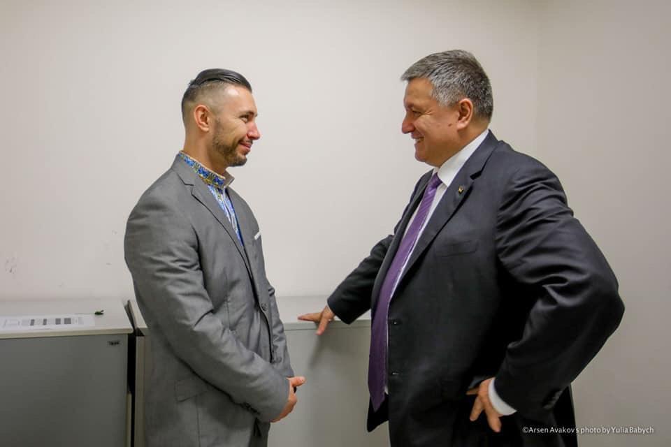 Арсен Аваков во время суда давал показания в пользу задержанного нацгвардейца / фото facebook.com/arsen.avakov.1