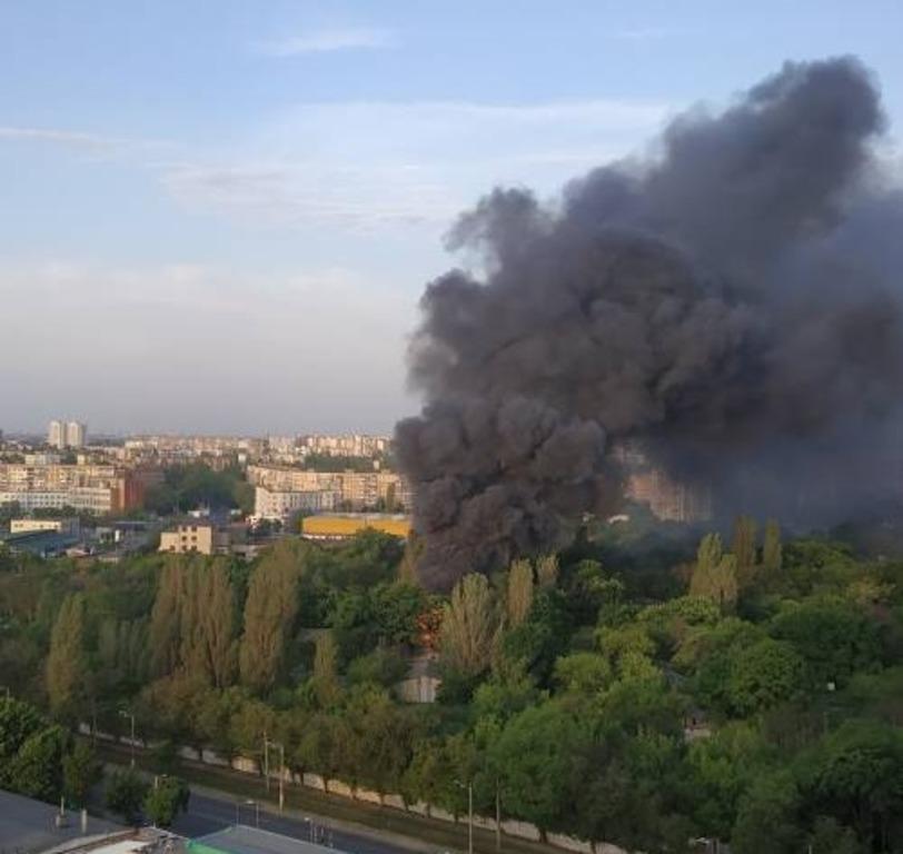 Площа пожежі перевищила 500 квадратних метрів / фото dumskaya.net