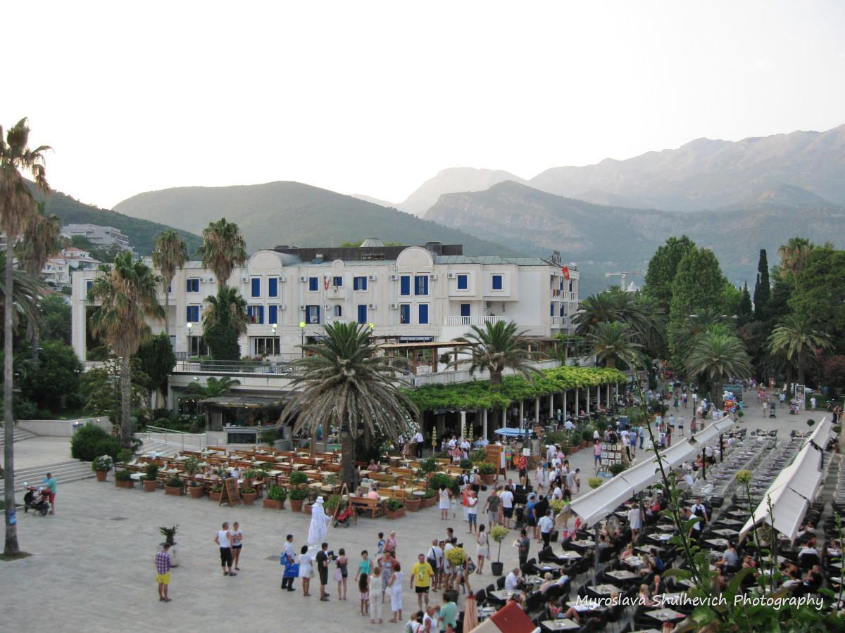 Чорногорія живе за рахунок туризму / фото Myroslava Shulhevich