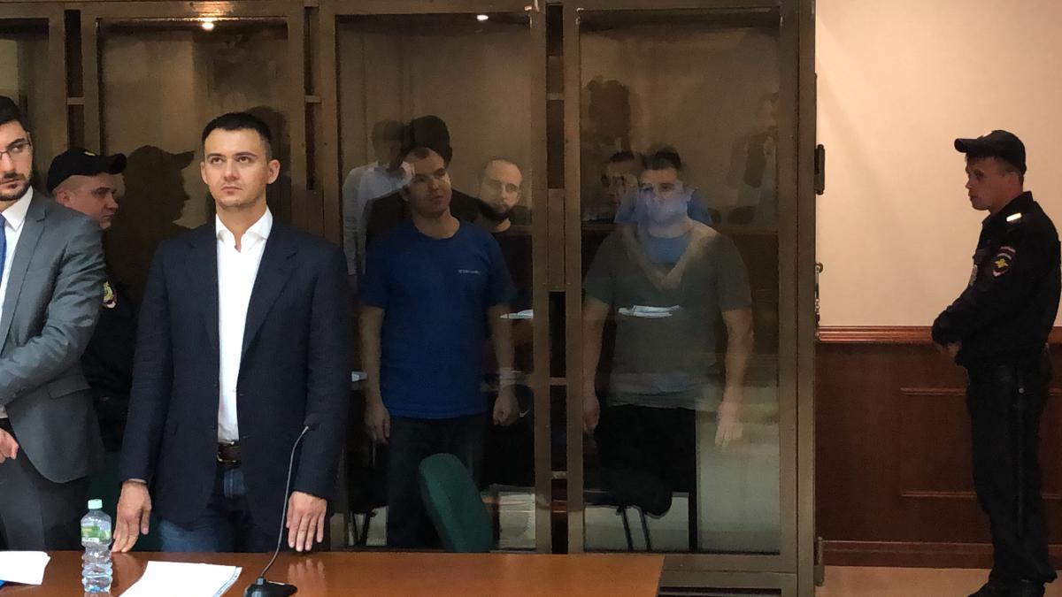 Суд у Москві визнав законним продовження арешту чотирьом українським морякам / фото Роман Цимбалюк