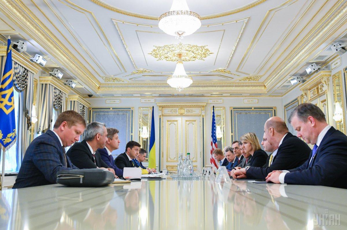 Президент Украины Владимир Зеленский встретился с представителями США / фото УНИАН