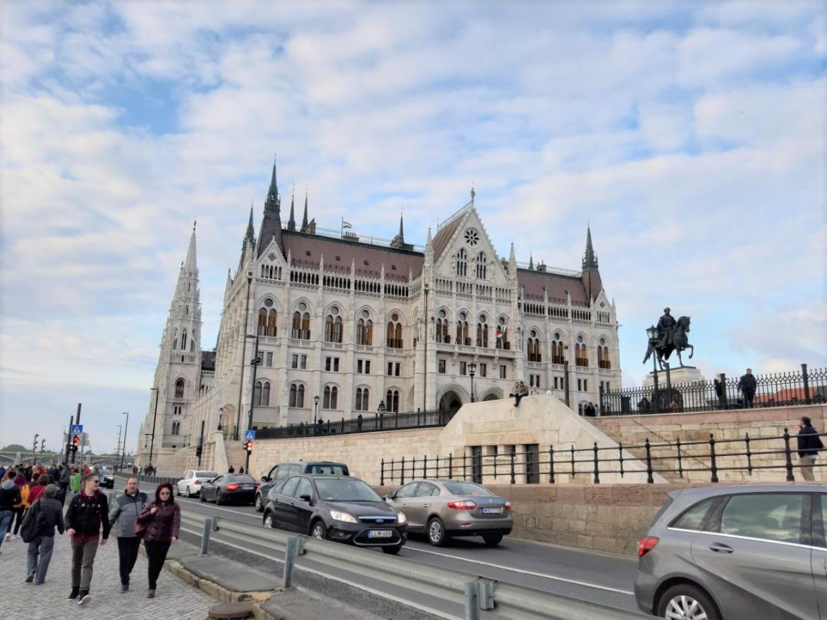 Здание венгерского парламента / Фото Вероника Кордон