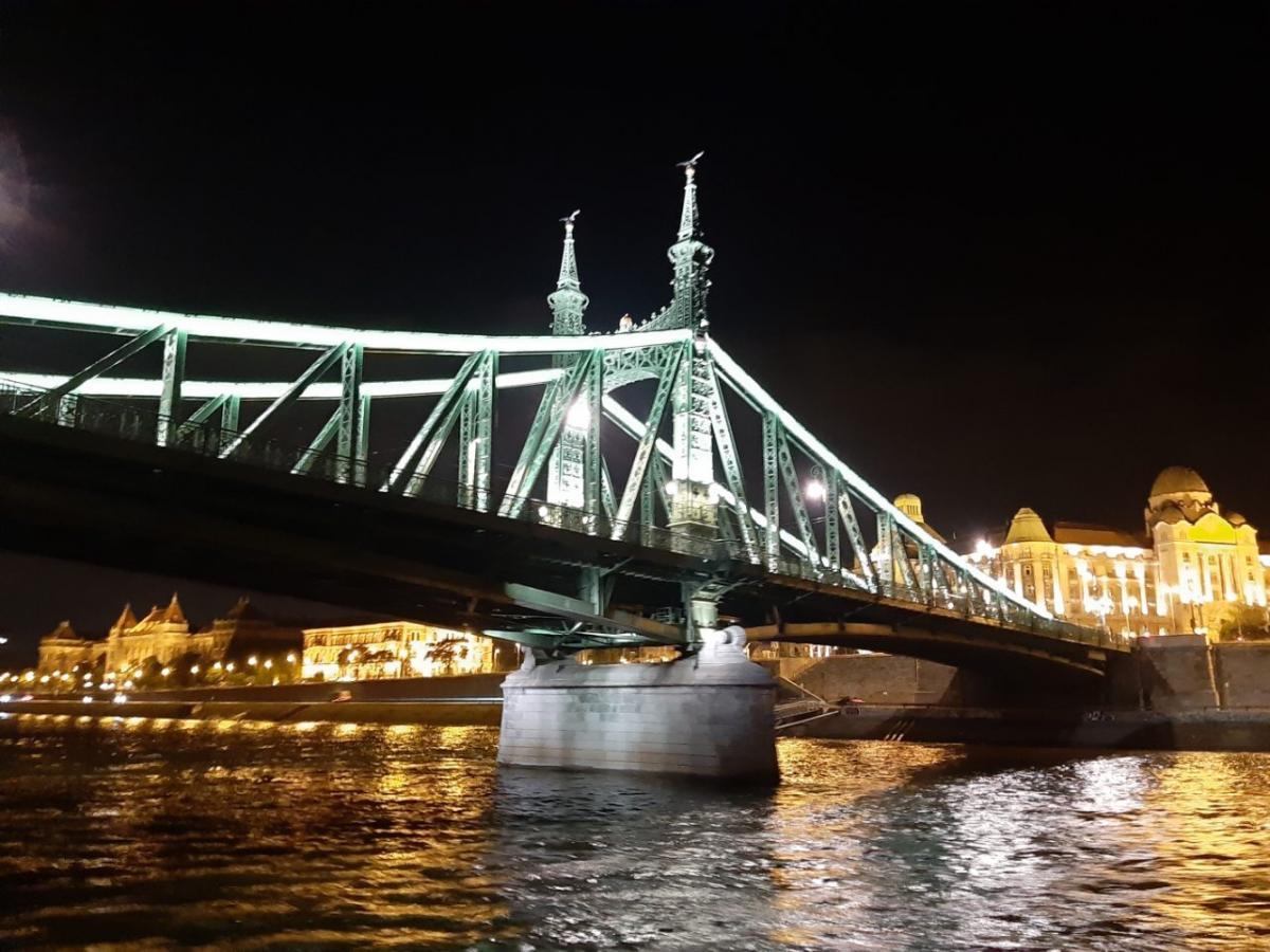 Ночной Будапешт сказочно красив / Фото Вероника Кордон