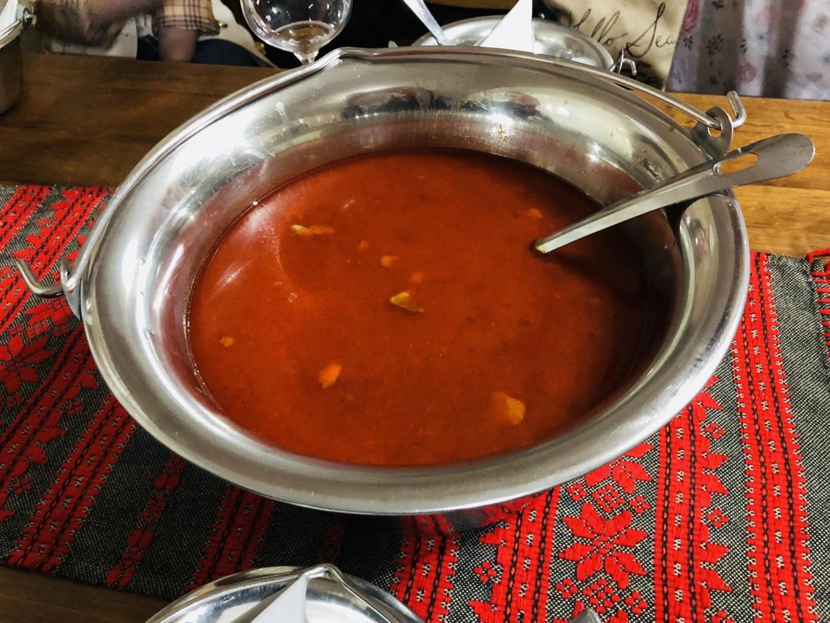 Густой венгерский суп – гуляш / Фото Вероника Кордон