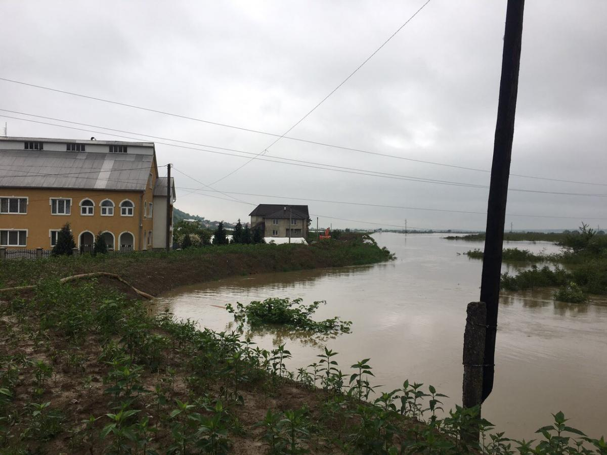 Дожди подтопили Закарпатье / У ГСЧС Украины в Закарпатской области