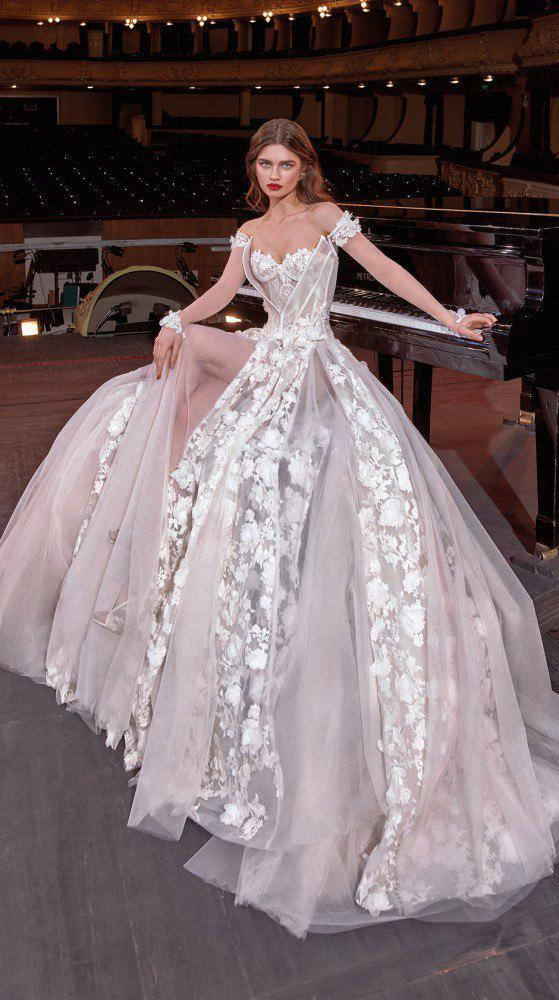 """фото Luxury Bridal Store """"Novias"""""""