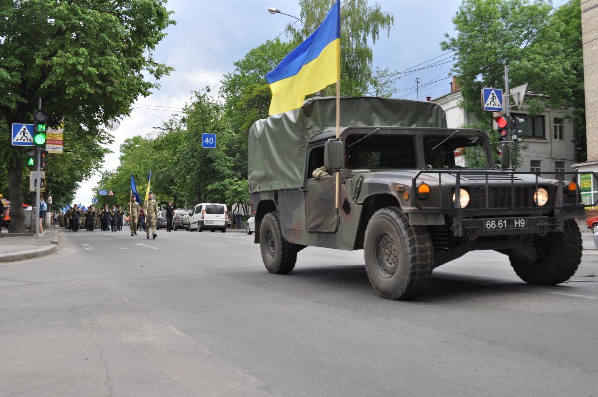 На Проскурівській демонструвалися зразки військової техніки та озброєння \ Віталій Тараненко УНІАН