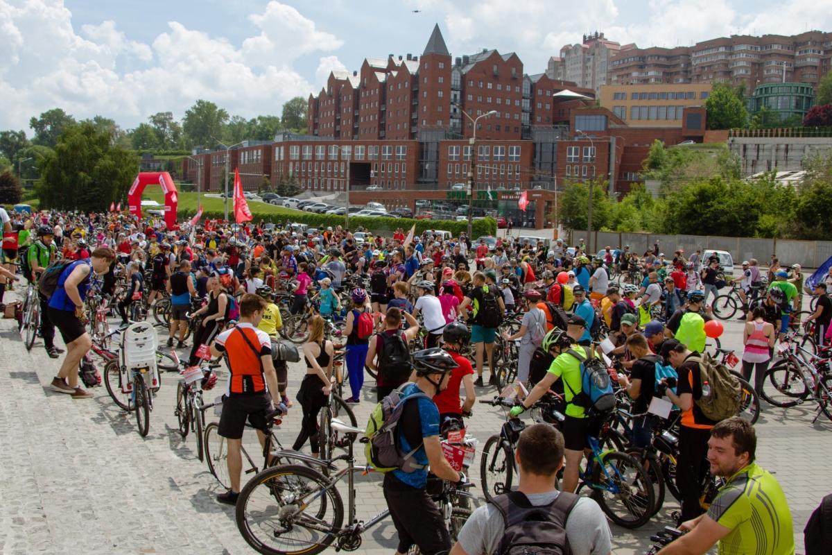 В этом году в велопробеге приняли участие около 6 тыс. лиц \ dniprorada.gov.ua