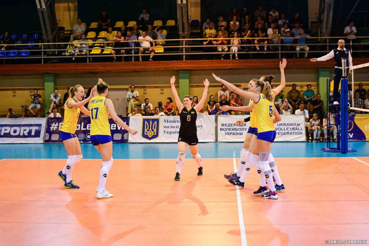Женская сборная Украины по волейболу обыграла Словакию / Facebook ФВУ