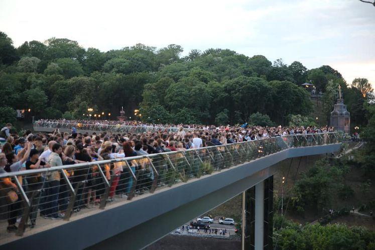 На открытие пришло несколько тысяч человек / Фото: Виталий Кличко / Facebook