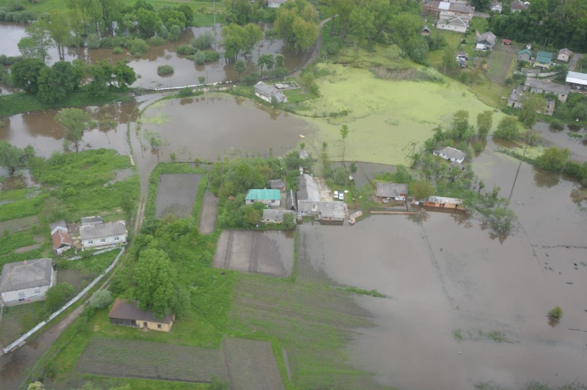 Подтоплений жилых домов нет/ фото dsns.gov.ua
