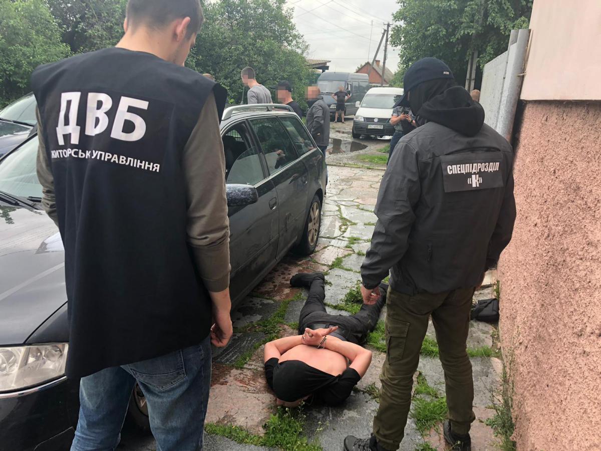 В Житомирской области задержали полицейского / фото СБУ