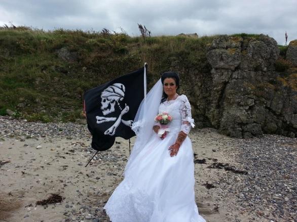 Чтобы Джек смог принести клятву, на свадьбе присутствовал медиум / Фото: TRIANGLE NEWS