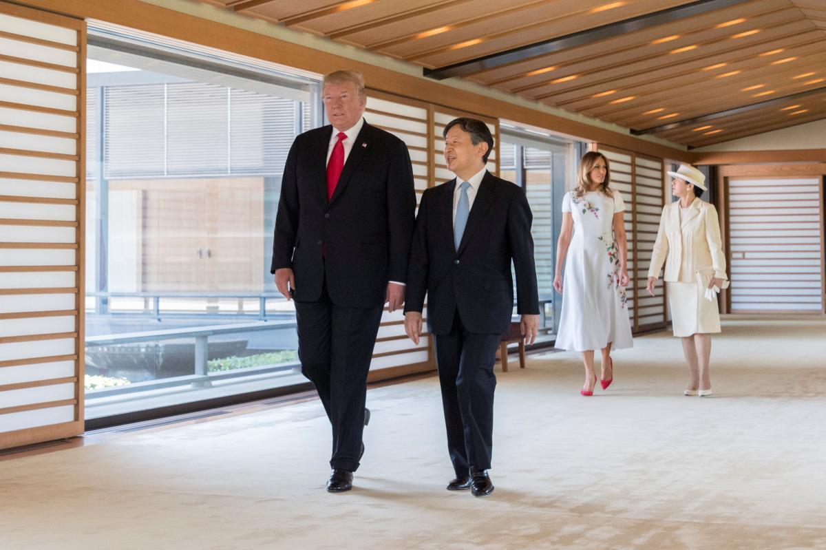 Президент США Дональд Трамп и новыйимператорЯпонии Нарухито \ REUTERS