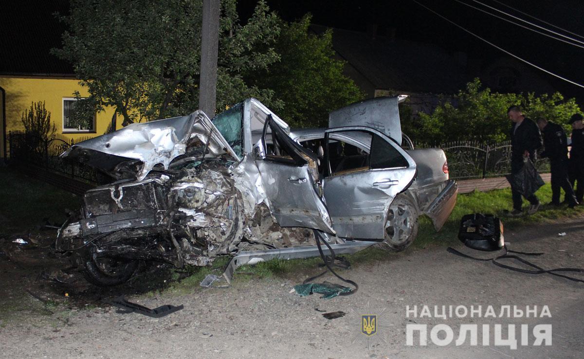 Смертельная авария произошла сегодня ночью / фото ГУ НП в Черновицкой области