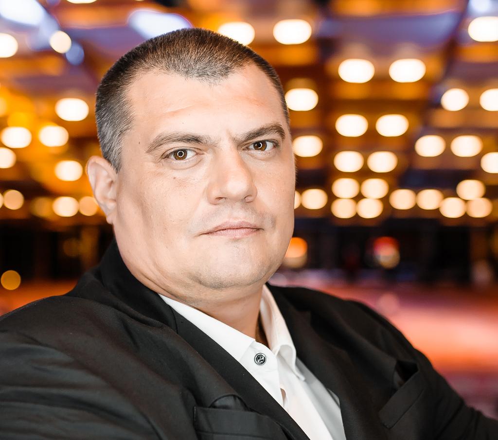 """Юзик из """"Квартала"""" хочет баллотироваться в парламент по мажоритарке / фото kvartal95.com"""