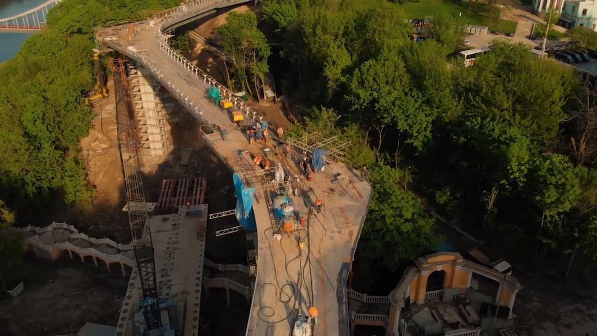 Вартість мосту - шалені 420 мільйонів гривень / фото Олександр Соколов