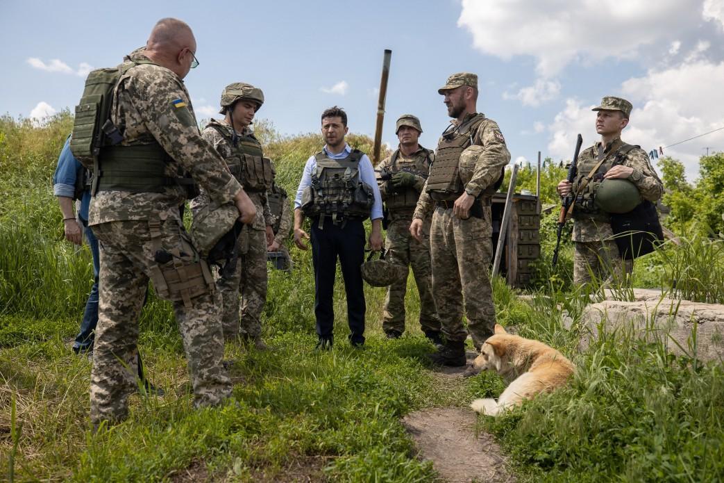 Зеленский предоставил гражданство Украины иностранным гражданам, которые защищали территориальную целостность государства / фото president.gov.ua