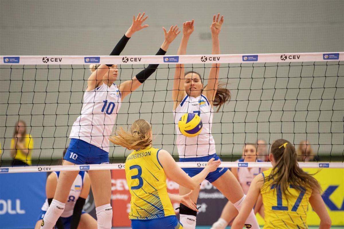 Женская сборная Украины уверенно обыграла Швецию / CEV