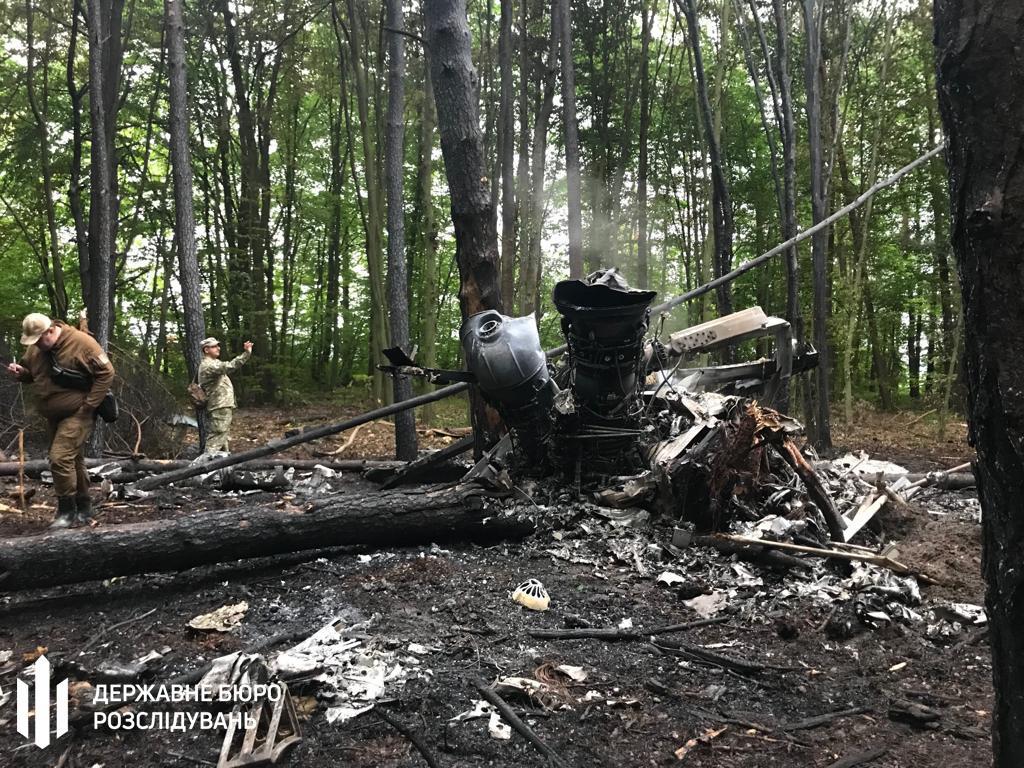 ГБР начало расследование падения вертолета Ми-8 на Ривненщине / фото ГБР