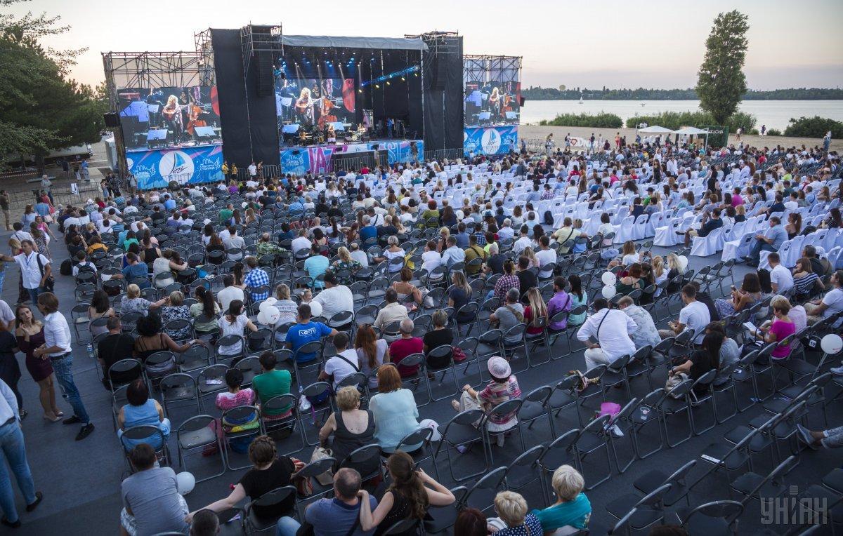 На Монастирському острові в Дніпропетровську пройде два фестивалі - БеzViz і Джаз на Дніпрі / Фото УНІАН