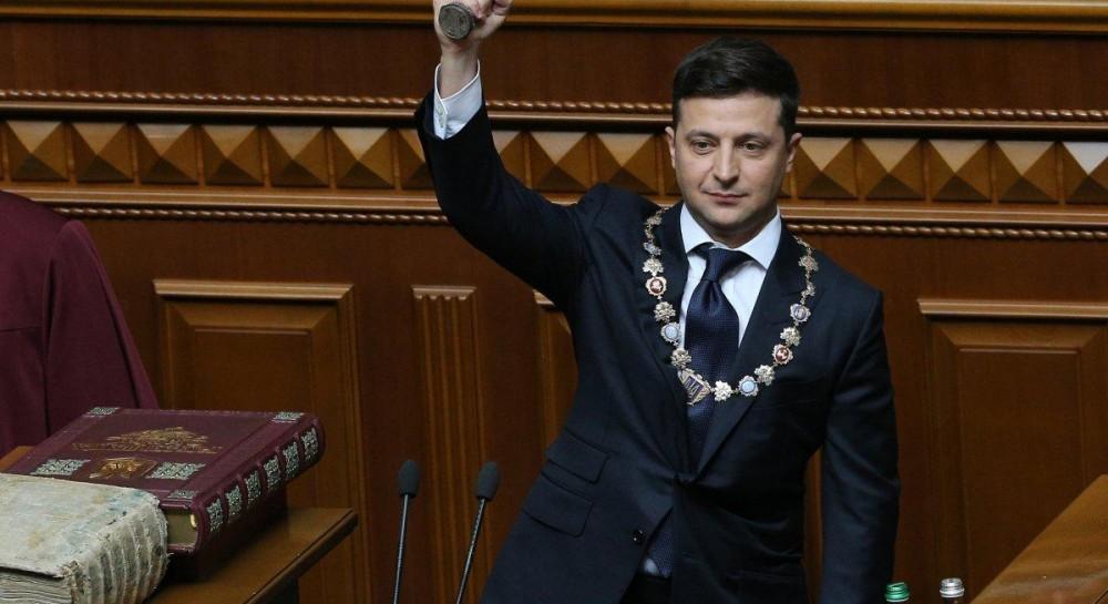 Опубликован первый указ президента Зеленского