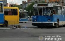 76d879e62400d3 У Вінниці трамвай зіткнувся з тролейбусом: дев'ять постраждалих