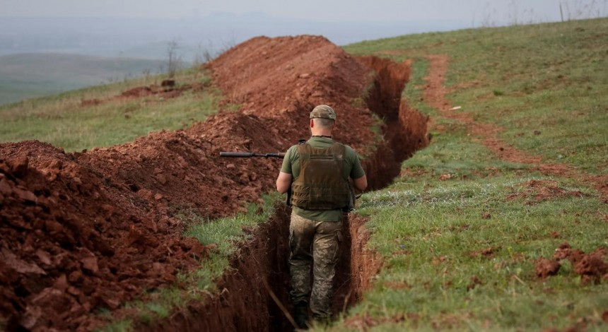 Ukraine reports 15 enemy attacks in Donbas in past day