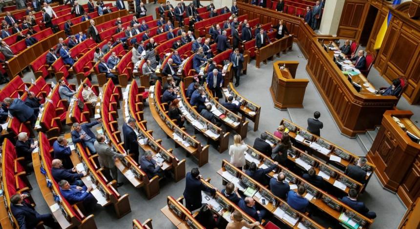 """""""Игра престолов"""" заканчивается, а наша продолжается: с завтрашнего дня в Украине начинается избирательная кампания"""