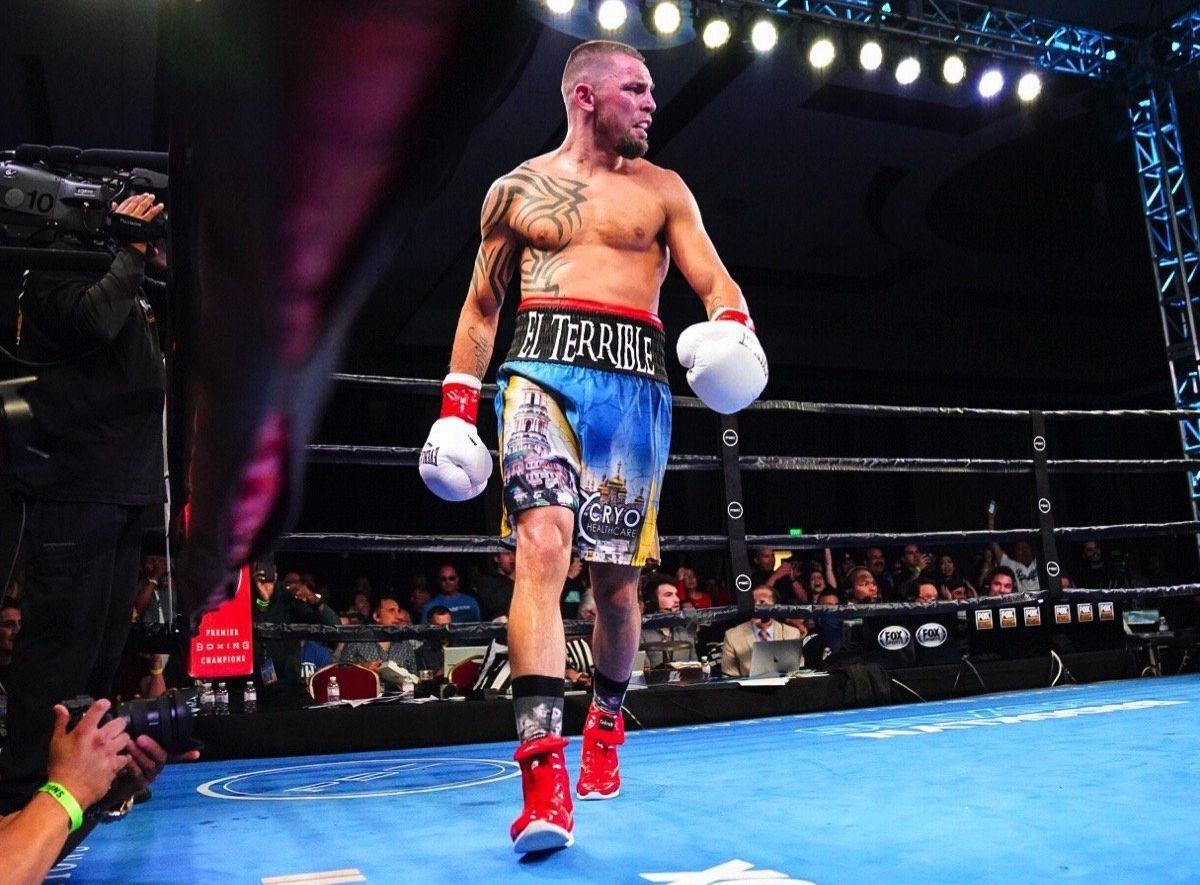 Иван Редкач нокаутировал экс-чемпиона мира / фото: Premier Boxing