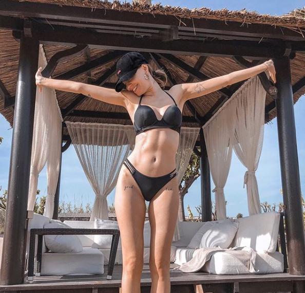 Дорофєєва любить епатувати публіку / instagram.com/nadyadorofeeva