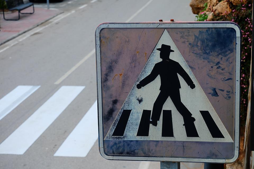 """У Миколаєві водій """"швидкої"""" збив дитину на пішохідному переході / фото pixabay.com"""