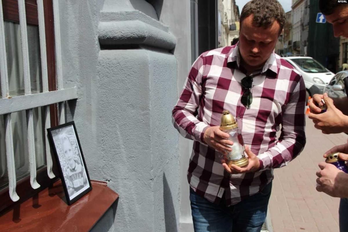 Львів'яни активно підписуються під петицією з вимогою про відставку Авакова/ фото: Радіо Свобода
